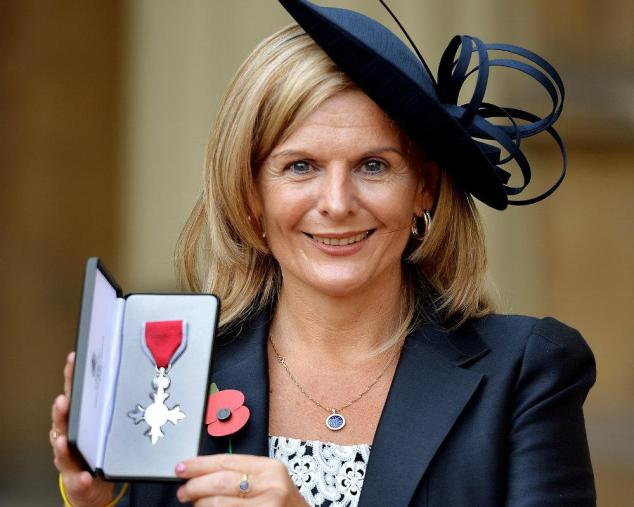 Jane-Sutton-with-MBE-1000x800